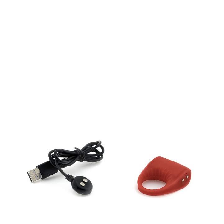 Wibrujący pierścień erekcyjny na penisa w czerwonym kolorze