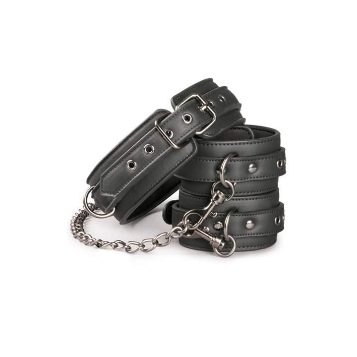 Czarny kołnierz niewoli połączony łańcuszkiem z kajdankami na kostkę dla kobiet i mężczyzn