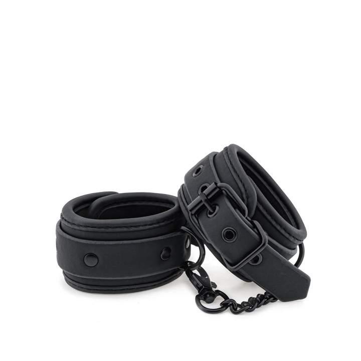 Czarne regulowane kajdanki na nogi dla niej i dla niego