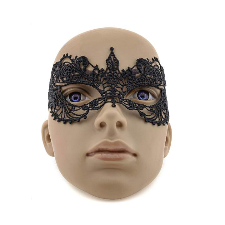 Elegancka i zmysłowa maska w stylu weneckim