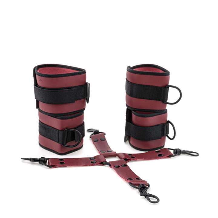 Regulowane kajdanki na nadgarstki i kostki zapinane na rzepy