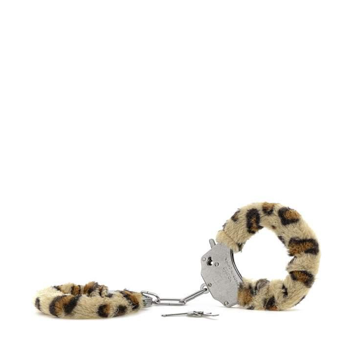 Metalowe kajdanki z futerkiem w lamparcie cętki – zamykane na kluczyk